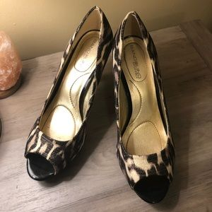 Bandolino sparkly cheetah print pump